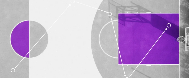 La zona del aro de una cancha de baloncesto dibujada con tonos morados.